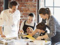 Barn og voksne på kurs hos Kulinarisk Akademi