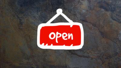 Opensign-på-bakgrunn_eng_red